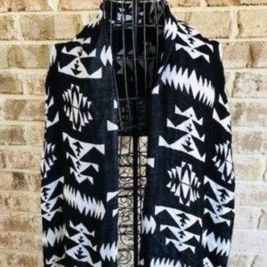 H&M Black White Shawl Sarong Wrap Scarf Fringe NWT